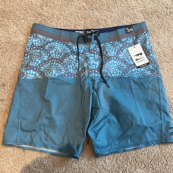 Men's billabong board shorts, new with tags!